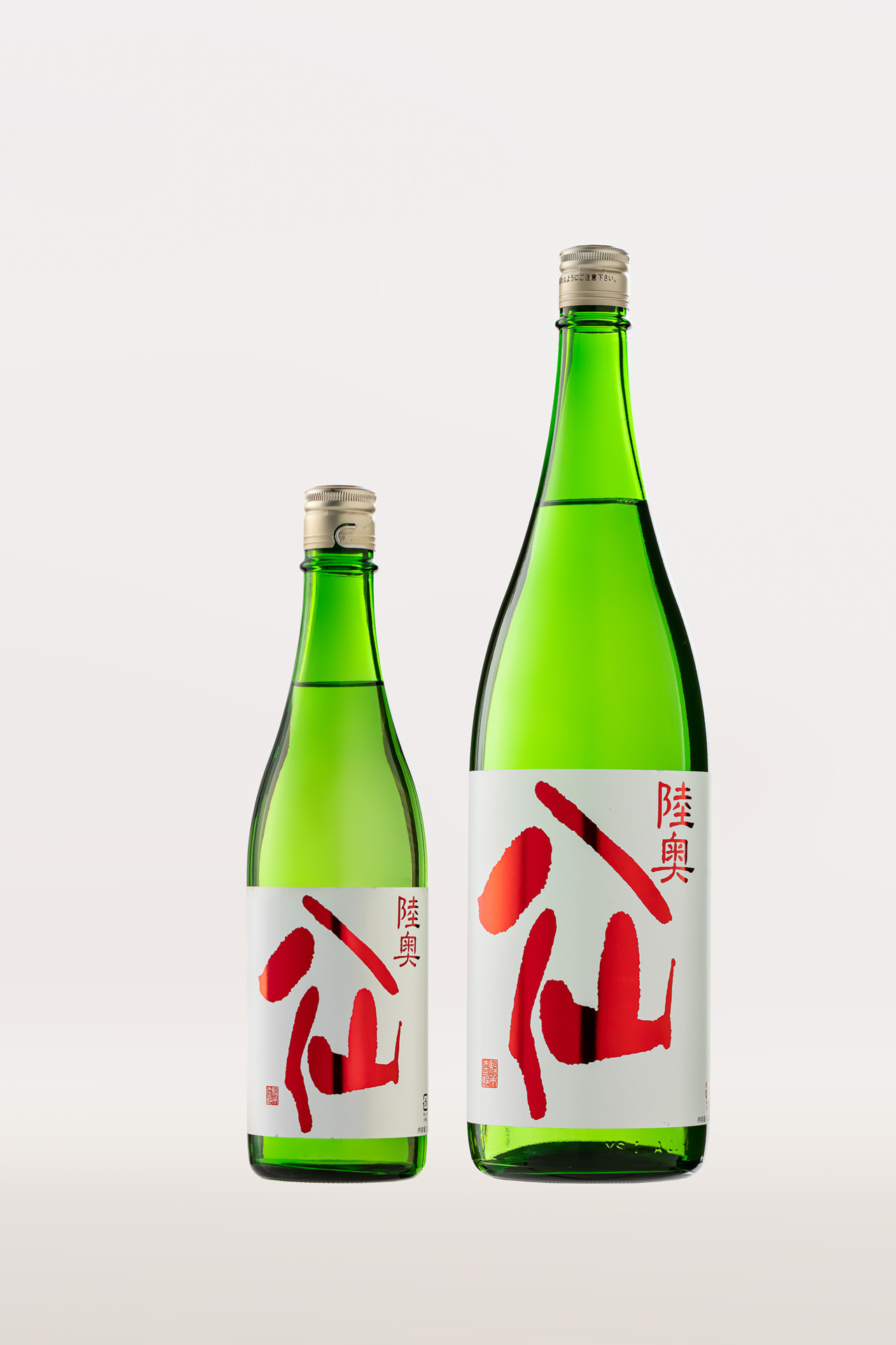 Mutsu Hassen Red Label Special Junmai (Pure/ Pasteurized)